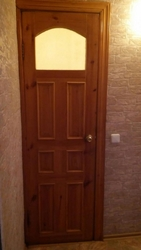 продам межкомнатные двери б/удеревянные все в комплекте и с навесами